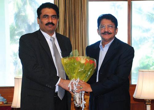 Shri Chandrakant Salunkhe – Founder & President, SME Chamber of India had a meeting with the newly appointed Governor of Maharashtra H.E. Shri Vidyasagar Rao on 11th September, 2014 at Raj Bhavan, Mumbai. Shri Salunkhe apprised the activities of SME Chamber of India and various issues and problems of Industry and SME Sector of Maharashtra. Hon'ble Governor was kind enough to suggest strategies for strengthening SMEs for Better Growth as well advised various activities to be organised by the Chamber in future for providing special guidance and handholding to young entrepreneurs to achieve success in their ventures. Hon'ble Governor has assured to support the activities of the Chamber for the growth of Industry and SMEs as well as to look into specific issues and problems to be recommended to State Government and concerned authorities for effective redressal for empowerment of SMEs and Industrial Sector in the State.